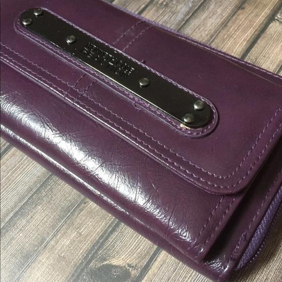 Kenneth Cole Reaction Ladies Wallet - Purple